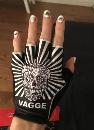 Велоперчатки женские или подростковые перчатки без пальцев для спорта