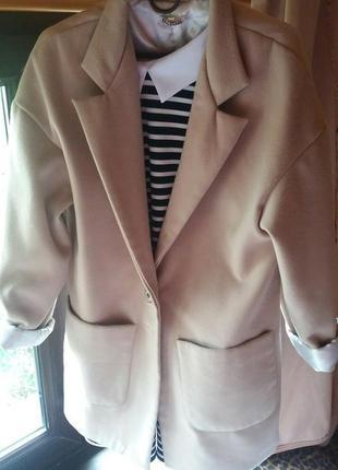 Модное кешемировое пальто