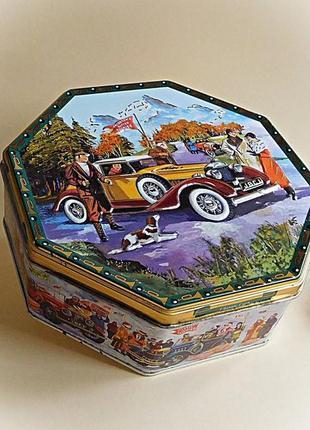 Винтажная жестяная коробка - ретро-автомобили. дания