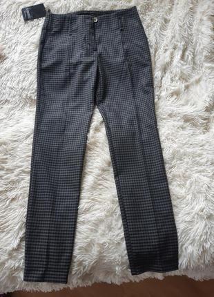 Тёплые прямые брюки штаны со стрелками в мелкую клетку на осень