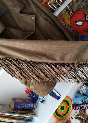 Куртка косуха primark под замш с бахромой в цвете хаки5 фото