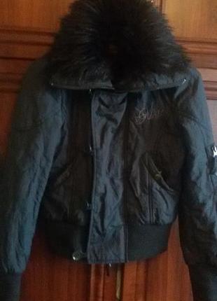 Короткая утепленная курточка