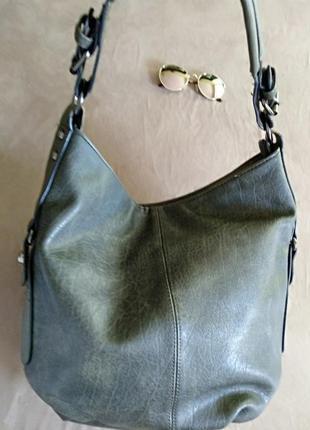 Женская сумка на короткой ручке