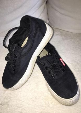 Кроссовки,кеды,мокасины,спортивная обувь,взуття