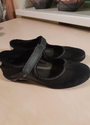 Фирменные туфли ecco  в школу
