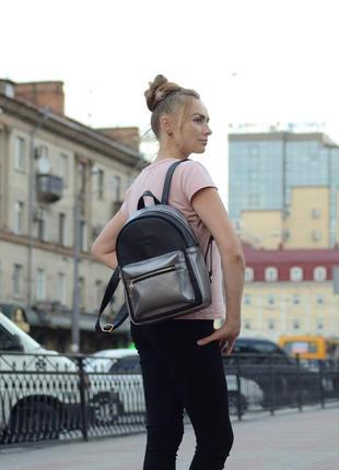 Крепкий чёрно-серебренный рюкзак для школы с эко кожи