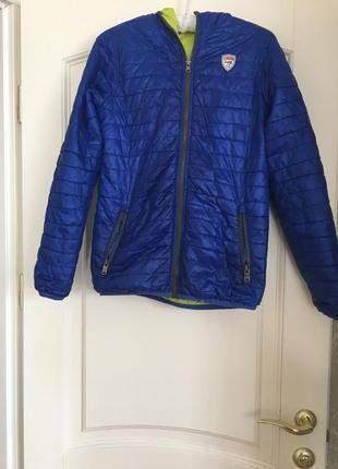 Двусторонняя,стёганная куртка осень-весна на 11-13 лет.