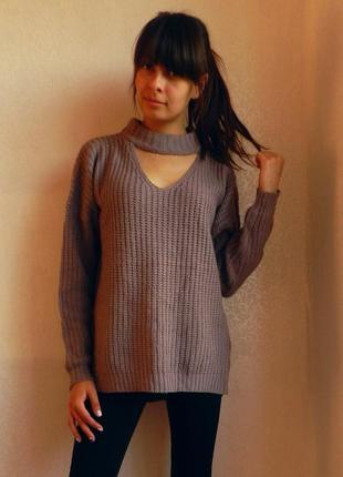 Стильнячий оверсайз свитер с чокером от атм
