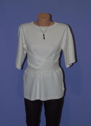 Тепленький мягенький свитер с короткими рукавами и завязкой на талии