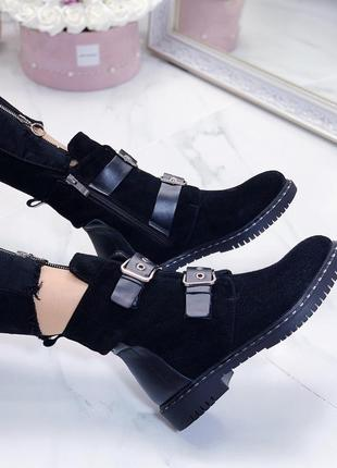 Новые женские демисезонные черные замшевые ботинки