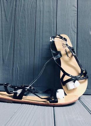 Кожанные сандалии topway