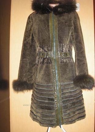 Стильная модная мутоновая шуба с капюшоном