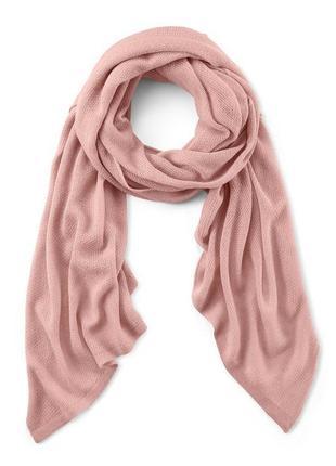 Вязанный нежный шарф-шаль от тсм германия размер 80 на 215 см