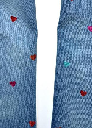 Gap denim. новые классные джинсы с разноцветными сердцами. 10-11 лет,140 см рост5 фото