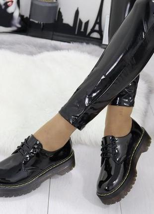 Новые женские черные лаковые туфли лоферы
