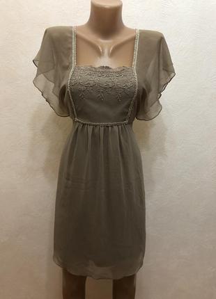 Очень красивое нарядное платье vila