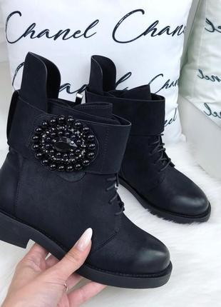 Новые крутые зимние ботинки с декором