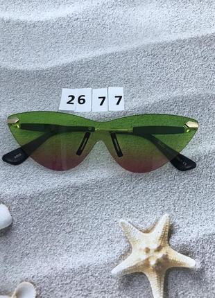 Стильные солнцезащитные очки без оправы к. 2677