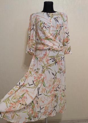 Нежное лёгкое нарядное миди  платье в цветочный принт m&s