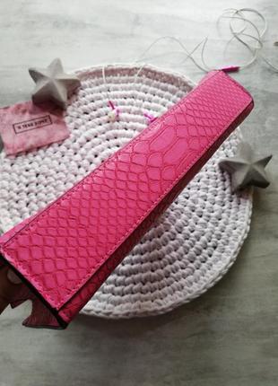 Victoria's secret яркий розовый клатч под питона4 фото
