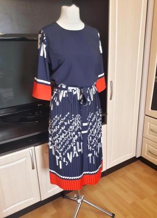Шикарное платье с юбкой плиссе3 фото