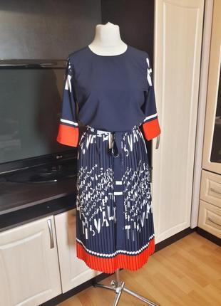 Шикарное платье с юбкой плиссе4 фото