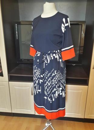 Шикарное платье с юбкой плиссе5 фото