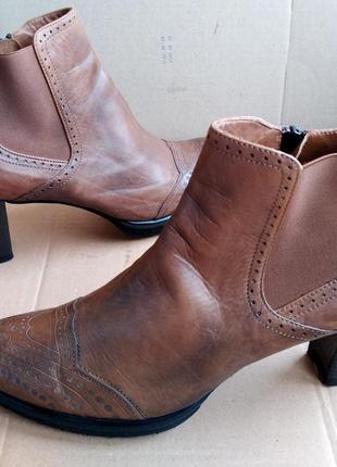 Стильные туфли итальянские полностью кожаные ботильоны полусапожки maripe