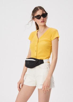 Шикарная желто-горчичная футболка топ в рубчик sinsay