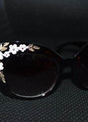 Шикарные солнцезащитные очки , стекла !!!!