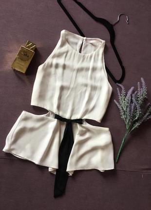 Шикарная ,белоснежная блуза zara с вырезами на талии