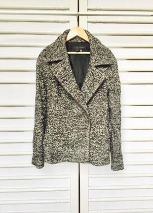 Актуальное теплое меланжевое пальтишко пиджак от zara