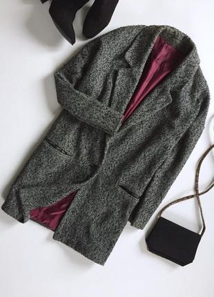 Стильное меланжевое пальто бойфренд с длинным рукавом и кармашками