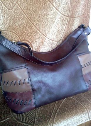 Кожаная сумочка clarks.