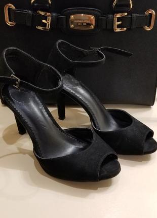 Замшевые сандали graceland