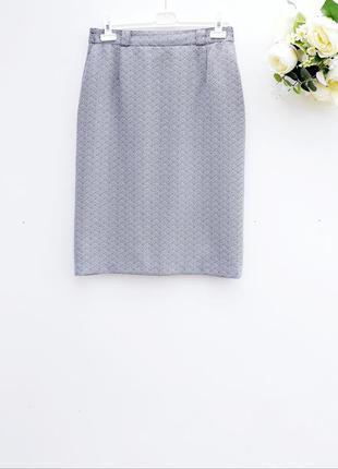 Красивая юбка миди юбка за колено