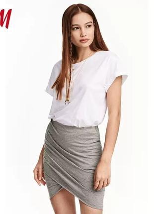Трикотажная юбка на резинке большого размера.