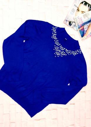 Стильный джемпер свитер с декором