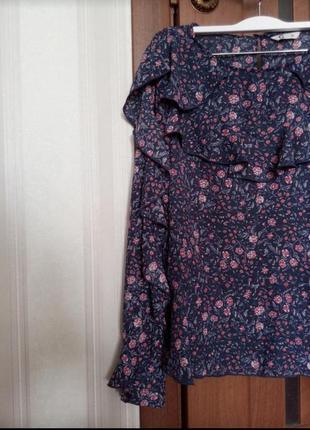 Качественная блуза с рюшами