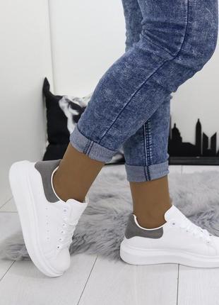 Новые шикарные женские белые кроссовки2 фото