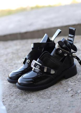 Новые стильные женские осенние ботинки