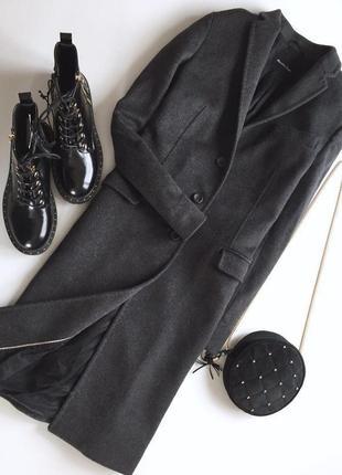 Оригинальное шерстяное пальто на пуговицах от massimo dutti