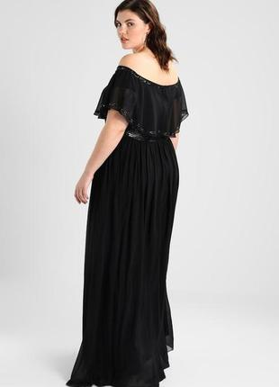 Роскошное вечернее платье с изящно оголенными плечами3 фото
