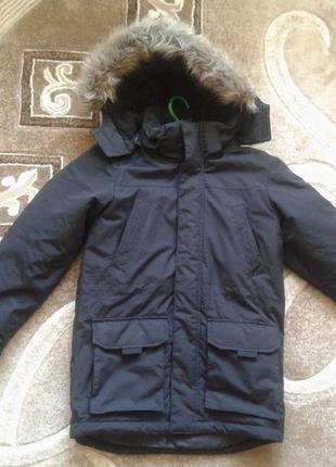 Отличная зимняя куртка парка мальчику 11 лет,р.146. от cubus. нюанс
