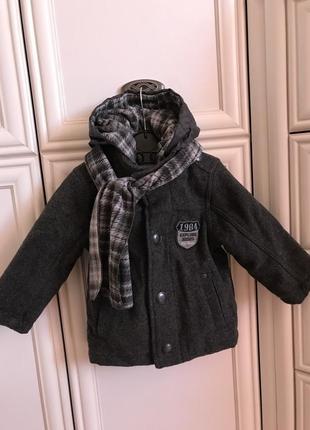 Тёплое пальто с шарфом
