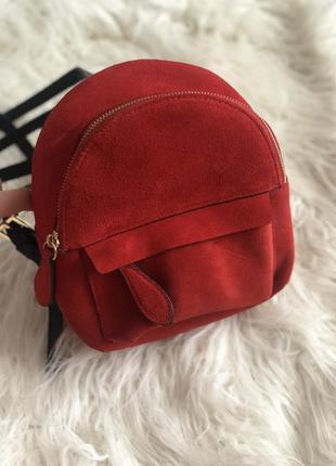 Рюкзак из натурального замшу zara, красного цвета