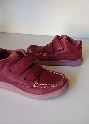 Невесомые ботинки clarks