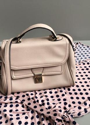 Красивейшая пудровая сумка кросс боди f&f