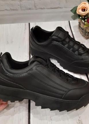 Крутые черные кроссовки р. 37,40