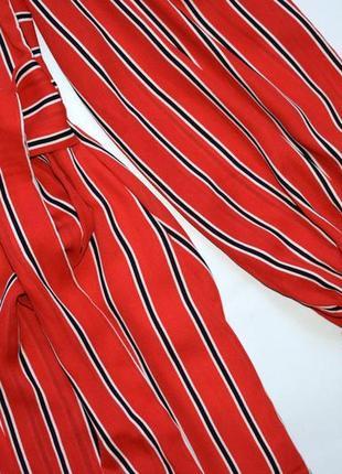 Червоне плаття міді в смужку8 фото